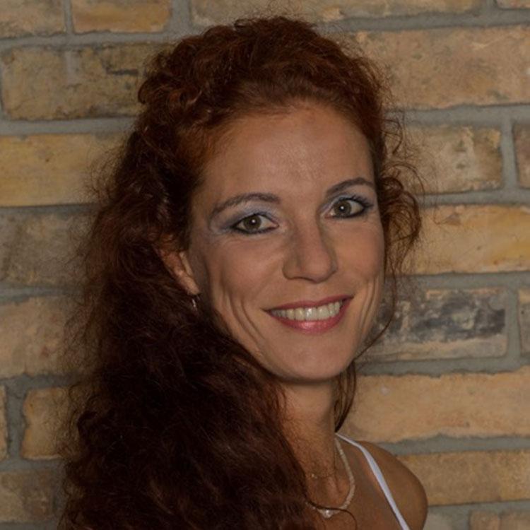 Daniela John